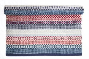Navy & red rug 100% cotton